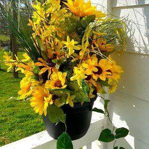 Sunflower Kisses Hanging Basket!